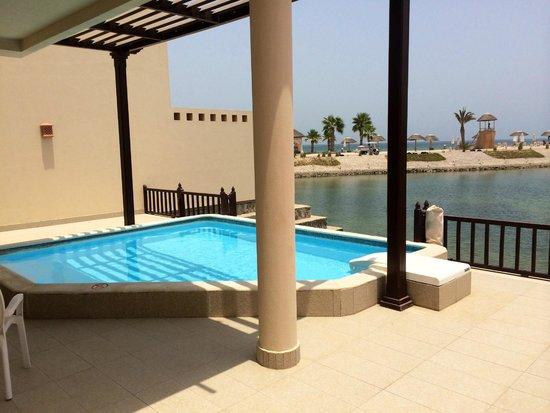 Cove Rotana Resort Ras Al Khaimah: Personal Pool in Villa