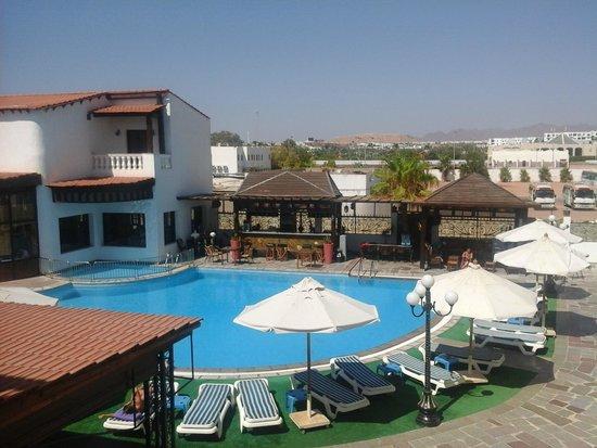 Oriental Rivoli Hotel: третий бассейн, бар, ресторан