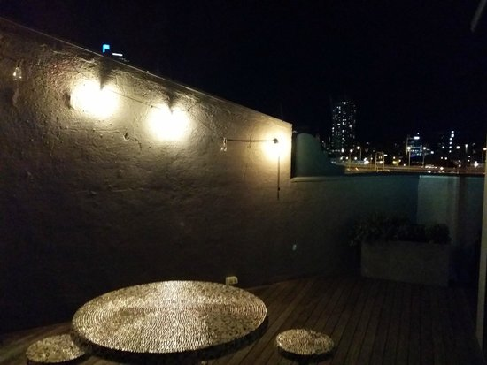 Ovolo 1888 Darling Harbour: Attic Suite Balcony at Night