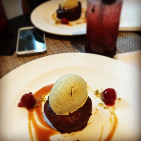 The Balcony Bar & Brasserie: Unpronounceable Chocolate Pudding