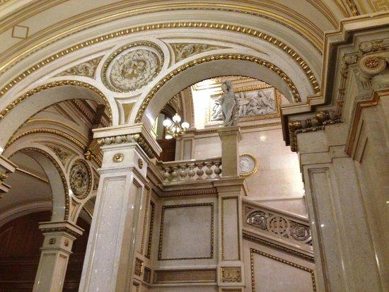 Staatsoper: intérieur de l'opéra
