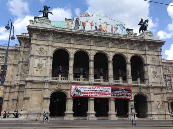 Staatsoper: façade principale