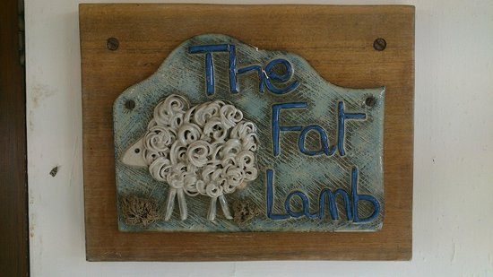 Fat Lamb Country Inn and Restaurant: Entrance door ceramic