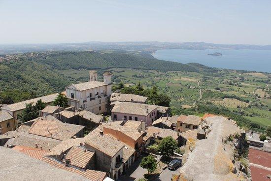 Rocca Dei Papi : Vista panoramica dalla torre del pellegrino