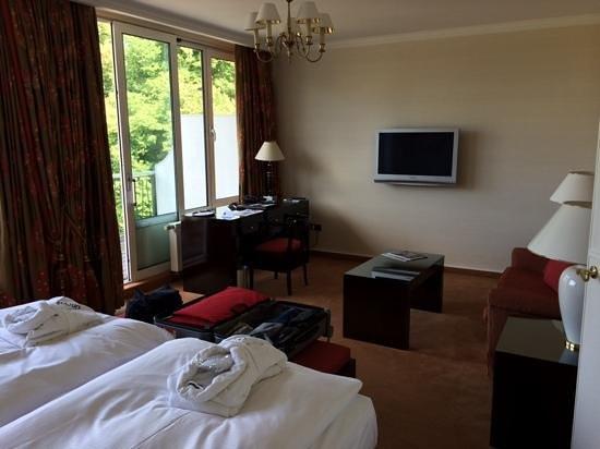 Dorint Park Hotel Bremen : Wohnbereich des Zimmers