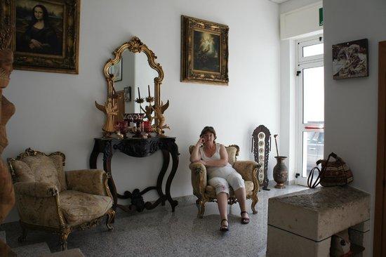 Hotel Silva : В холле.