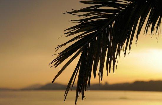 Le Meridien Lav Split: Sunset at he hotel beach 2