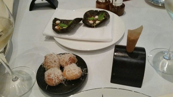 The Square : Canapes