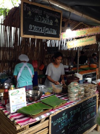 Sampran Riverside: อร่อยทุกอย่าง