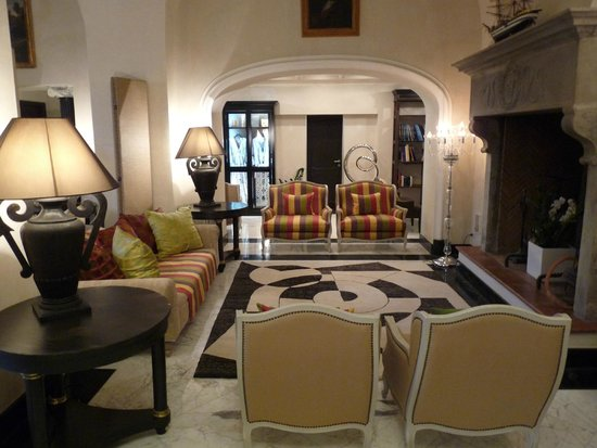 Punta Tragara: salon entrée hôtel