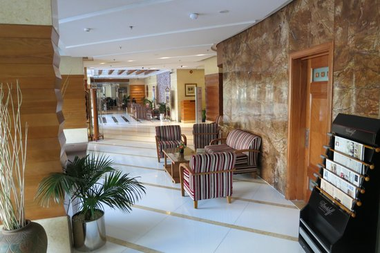 Avenue Hotel: Lobby area
