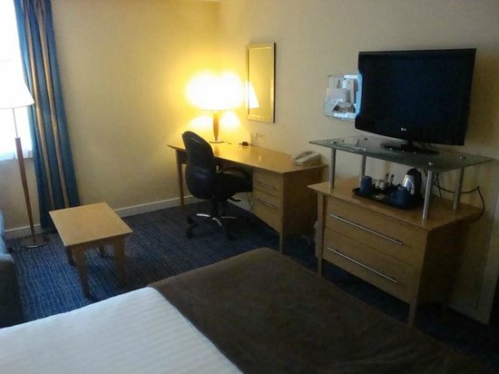 Holiday Inn Ellesmere / Cheshire Oaks: Our Room