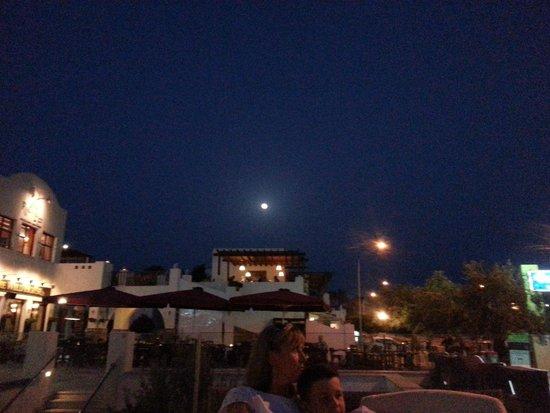 Aliathon Holiday Village: Nightime