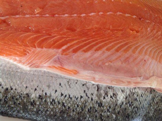 Au Dauphin: Saumon frais du jour