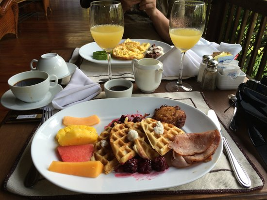 The Lodge and Spa at Pico Bonito : завтрак