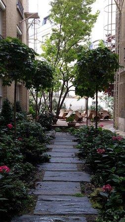 Hotel Magellan: Little garden