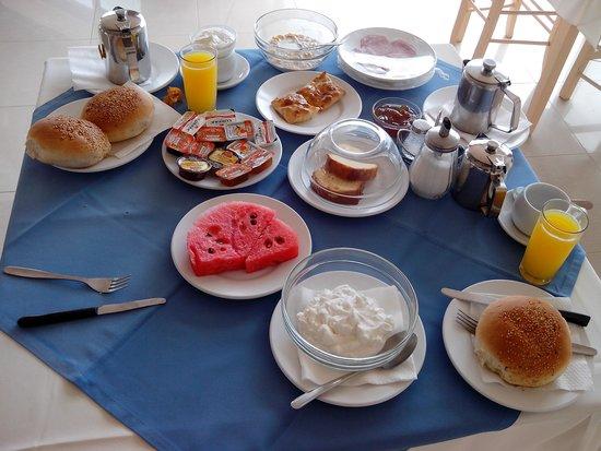 Galini Beach Hotel: Un esempio di colazione