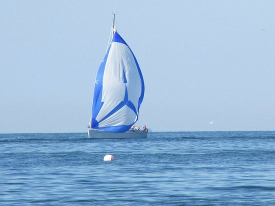 Terrae Maris: la mer a cote  ; bateau au loin