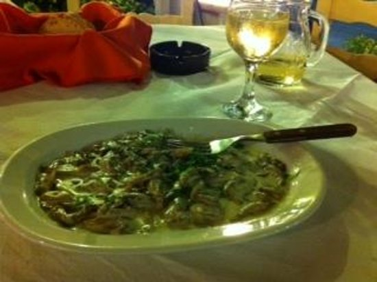 Aeoli: mushrooms,herbs,cream sauce and cognac -wow