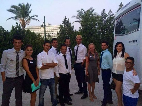 Barut Lara: entertainment team