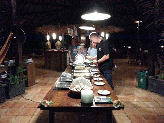 Thalassa PADI Dive Resort: Dinner Buffet @ Thalassa 5* PADI Dive Resort