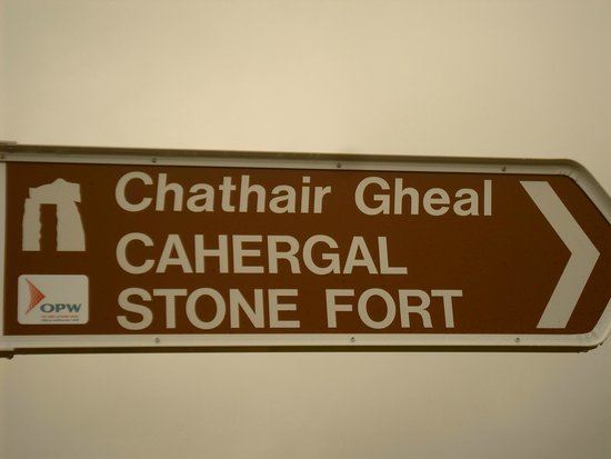 Cahergall Fort: Signalisation