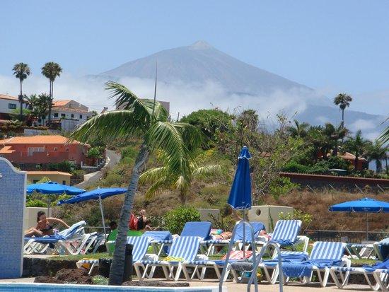La Quinta Park Suites: Blick vom Pool auf den Teide