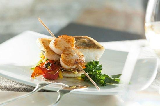 Ristorante Al Lago - Romantik Hotel Castello-Seeschloss: Filetto di lucioperca con capesante rosolate