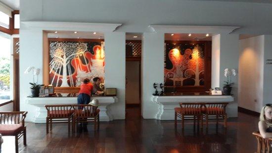 Ratilanna Riverside Spa Resort Chiang Mai: Hotel reception