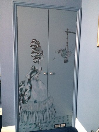 Francis Hotel Bath - MGallery by Sofitel: Wardrobe in our room