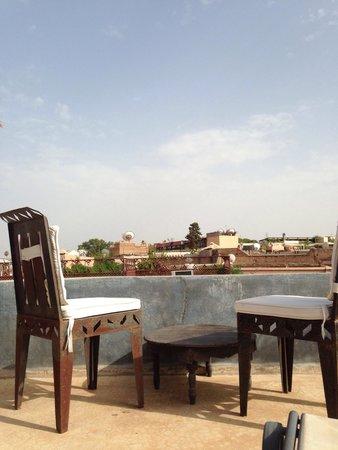 Riad Alamir : Terasse sur les toits