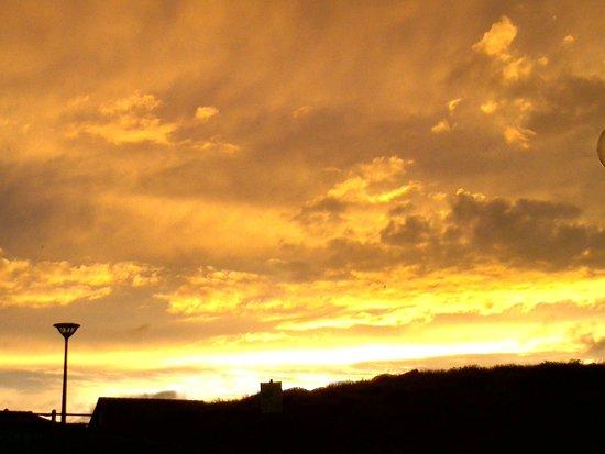 La Vague : coucher de soleil, vu de la terrasse...