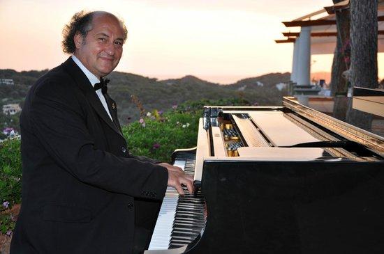 San Montano Resort & SPA : Oianist Gino d'Ischia