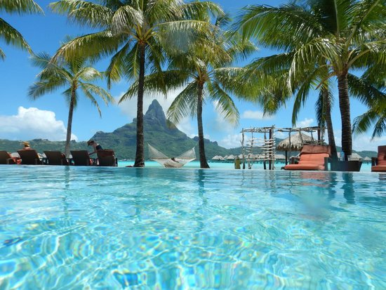 InterContinental Bora Bora Resort & Thalasso Spa: piscina do resort