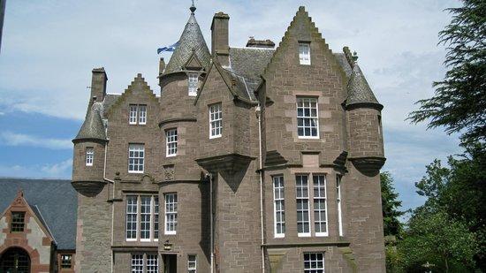 The Black Watch Castle & Museum: Front of castle