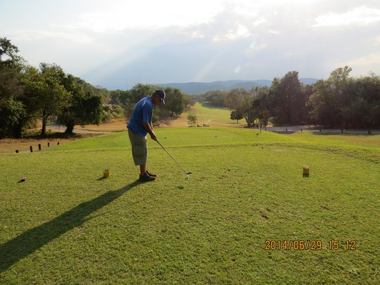 Kruger Park Lodge: Early Tee off