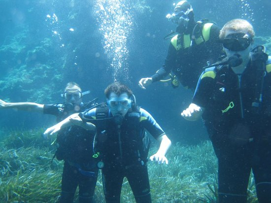 Bluewater Scuba : Great fun at several metres down