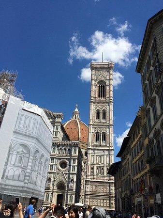 Piazza del Duomo : ちょっと離れるとこんな写真!