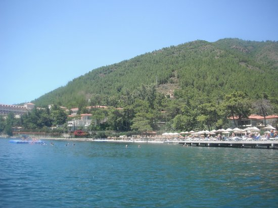 Grand Yazici Club Turban: Looking at the hotel and beach from the sea