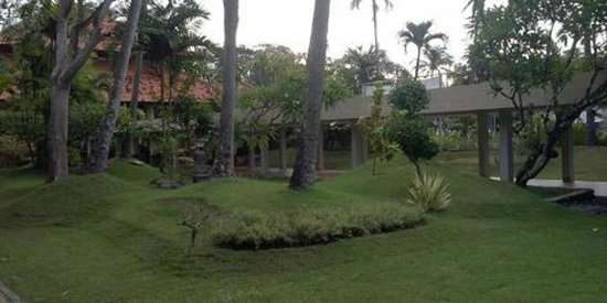 Inna Sindhu Beach: Depan kamar