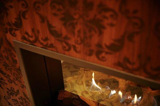Grand Hotel Zermatterhof : Fire place Medium Suite