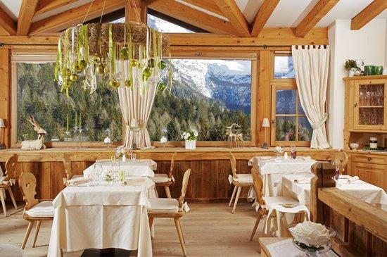 Bio Hotel Hermitage: ristorante con vista