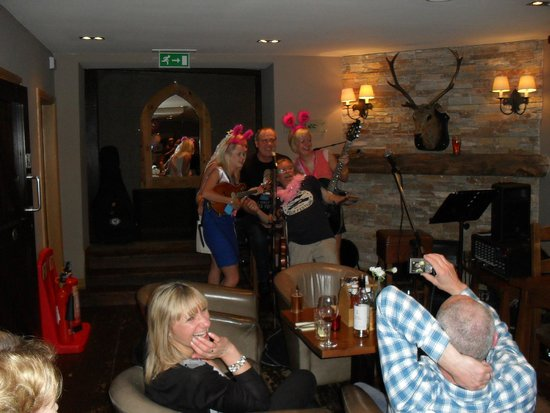 The Inn on Loch Lomond: having a ball with the o'cajunals