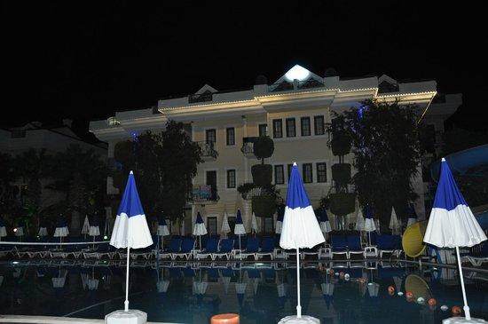 Yel Holiday Resort: Pool