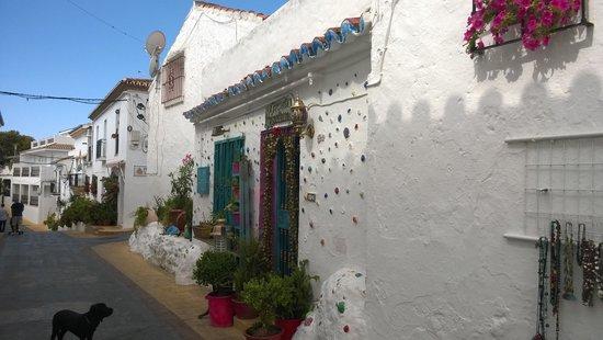 Benalmadena Pueblo (The Old Village) : Street to Church