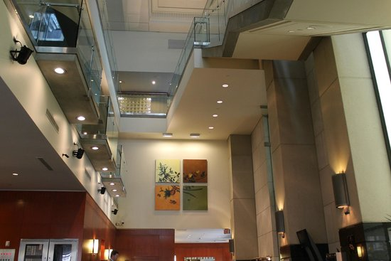 Delta Vancouver Suites: Delta Suites Main Foyer