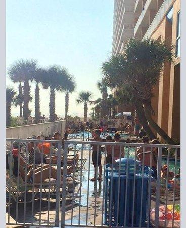 Splash Resort Condominiums Panama City Beach: The pools are WAY too small