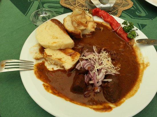 Restaurace U Labuti: le goulash