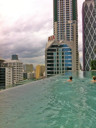 Eastin Grand Hotel Sathorn : piscina a sfioro