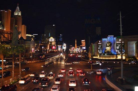 Vdara Hotel & Spa : Las Vegas by night